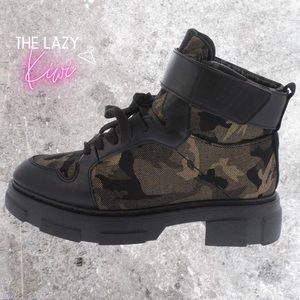 Camo Green Grey Black Sneaker Ankle Boots Size 9